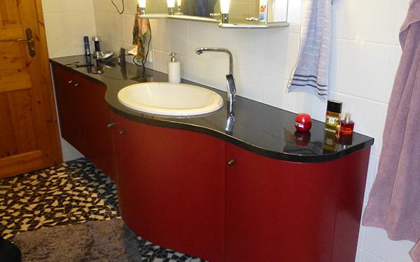 Badmöbel aus Holz können antibakteriell wirken » Badezimmer-Möbel
